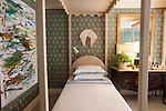 The Kips Bay Decorator Show House invited twenty one designers and architects to transform a luxury Manhattan townhouse for a benefit to the Kips Bay Boys & Girls Club. <br /> <br /> Pictured, design by Olasky & Sinsteden<br /> <br /> Danny Ghitis for The New York Times