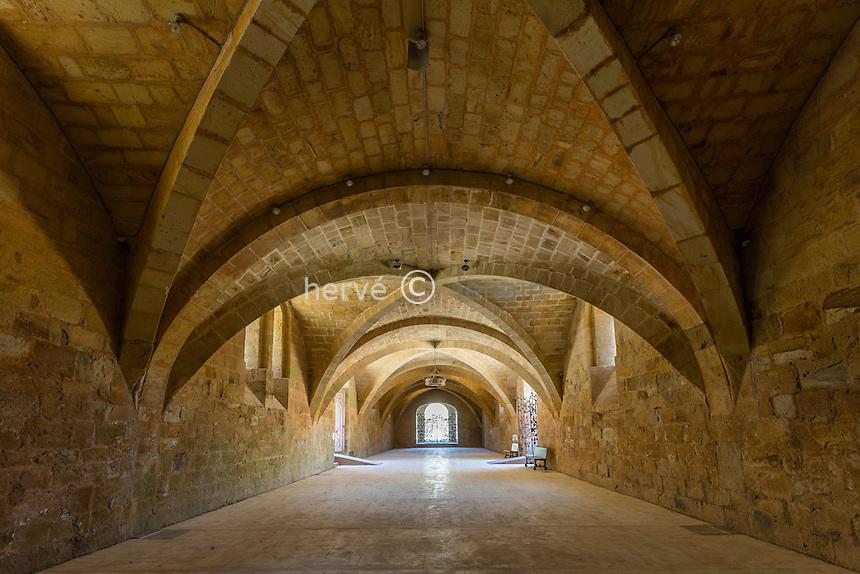 France, Aude (11), Narbonne, Abbaye Sainte-Marie de Fontfroide, la ruelle des convers // France, Aude, Narbonne, Fontfroide Abbey, the Ruelle des Convers