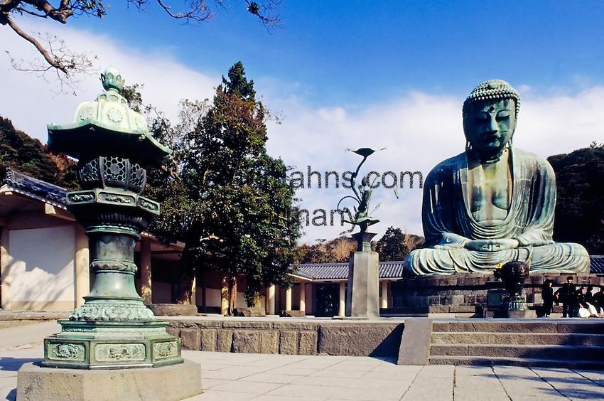 Japan, Kamakura: Buddha Daibutsu, statue, at Kotokuin-Temple, built 1252, showing Buddha Amitabha, is 11.40 m high and weights 93 t.