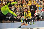 Rhein Neckar Loewe Bogdan Radivojevic (Nr.14) gegen Nantes Cyril Dumoulin beim Spiel in der Handball Champions League, Rhein Neckar Loewen - HBC Nantes.<br /> <br /> Foto &copy; PIX-Sportfotos *** Foto ist honorarpflichtig! *** Auf Anfrage in hoeherer Qualitaet/Aufloesung. Belegexemplar erbeten. Veroeffentlichung ausschliesslich fuer journalistisch-publizistische Zwecke. For editorial use only.