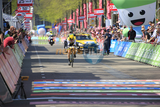 Maarten Tjallingii (NED) Lotto NL-Jumbo approaches the finish line of Stage 1 of the 2016 Giro d'Italia, an individual time trial of 9.8km around Apeldoorn, The Nethrerlands. 6th May 2016.<br /> Picture: Eoin Clarke | Newsfile<br /> <br /> <br /> All photos usage must carry mandatory copyright credit (&copy; Newsfile | Eoin Clarke)