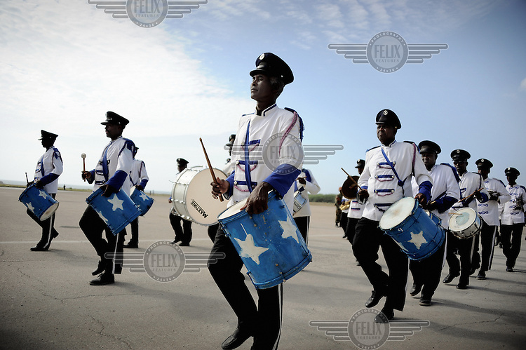 Mogadishu/Somalia 2012 - The marching band awaits the President´s arrival at the airport of Mogadishu, after having attended talks in Nairobi (Kenya).