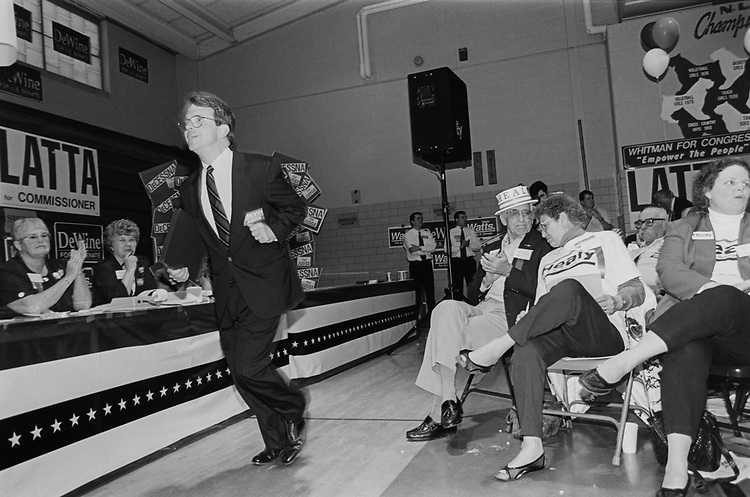 Lieutenant Governor, Mike DeWine, R-Ohio, sprints up to podium as he is introduced at Wood Company Republican Convention in Bowling Green on April 23, 1994. (Photo by CQ Roll Call via Getty Images)