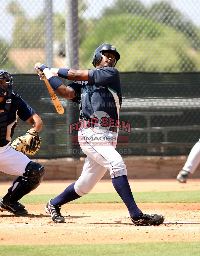 Alfredo Mateo / AZL Mariners..Photo by:  Bill Mitchell/Four Seam Images