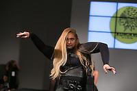 SÃO PAULO, SP, 24.07.2016 - MODA-SP - Desfile da marca Korukru by Lu Oliva durante o 14 Fashion Weekend Plus Size que acontece neste domingo, 24 no Centro de Convenções Frei Caneca. (Foto: Ciça Neder/Brazil Photo Press)