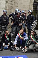Roma, 28 Ottobre 2013<br /> Manifestazione fino al Ministero dello Sviluppo Economico dei lavoratori Alcoa a rischio licenziamento.<br /> Tre sindaci sardi