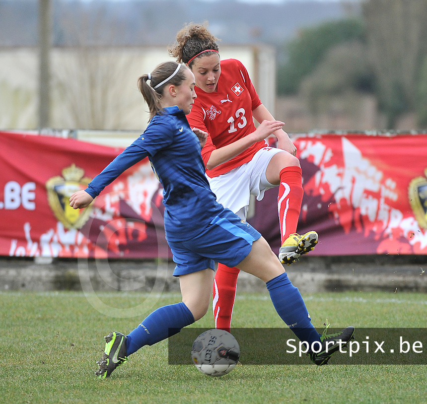 Switzerland U19 - France U19 : Sabrina Ribeaud (13) and Charlotte Lorgere.foto DAVID CATRY / Nikonpro.be