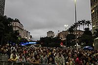 """SÃO PAULO, SP, 12.03.2016 - SHOW-SP - Fãs durante show 'Mulheres em Ação"""" em homenagem o mês internacional da mulher, no Vale do Anhangabaú região central de São Paulo neste sábado, 12.  (Foto: Marcos Moraes/Brazil Photo Press)"""