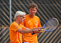 Austria, Kitzbuhel, Juli 14, 2015, Tennis, Davis Cup, Training Dutch team, Robin Haase with coach Martin Bohm<br /> Photo: Tennisimages/Henk Koster