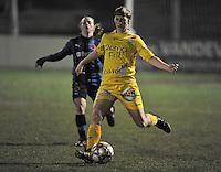 Club Brugge Dames - WB Sinaai Girls : Elke Van Driessche aan de bal.foto DAVID CATRY / Vrouwenteam.be