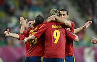 FUSSBALL  EUROPAMEISTERSCHAFT 2012   VORRUNDE Spanien - Irland                     14.06.2012 Fernando Torres (Spanien) laesst sich nach seinem Tor zum 3:0 umjubeln