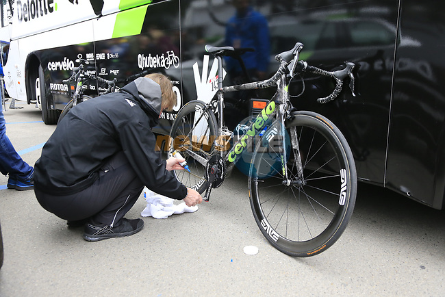 Mechanic oils the chain of Cervelo-Bigla Team bike the Womens Elite 2017 Strade Bianche running 127km from Siena to Siena, Tuscany, Italy 4th March 2017.<br /> Picture: Eoin Clarke | Newsfile<br /> <br /> <br /> All photos usage must carry mandatory copyright credit (&copy; Newsfile | Eoin Clarke)