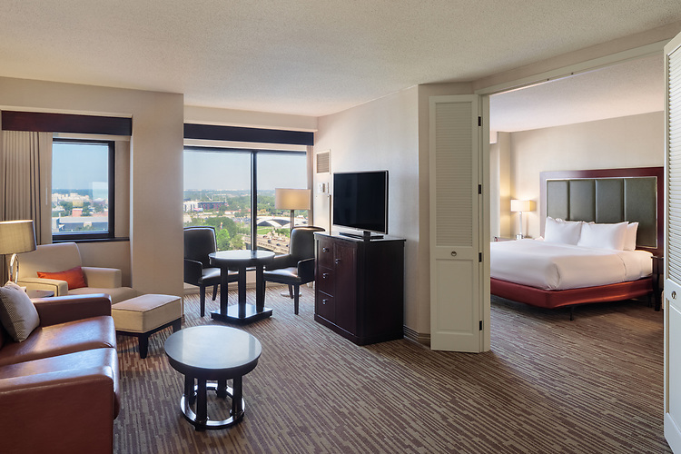 DoubleTree Suites by Hilton Hotel Columbus Downtown | Hilton Hotels