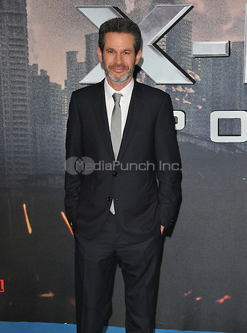 Simon Kinberg at the &quot;X-Men : Apocalypse&quot; global fan screening, BFI Imax, Charlie Chaplin Walk, London, England, UK, on Monday 09 May 2016.<br /> CAP/CAN<br /> &copy;CAN/Capital Pictures /MediaPunch ***NORTH AMERICA AND SOUTH AMERICA ONLY***