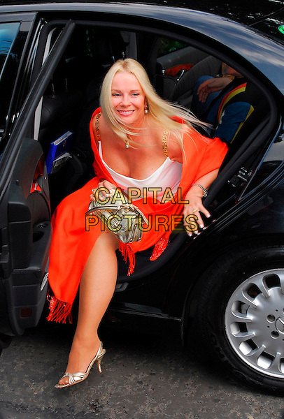 PAMELA STEPHENSON.Sir David Frost Summer Party, Carlyle Square, London, UK..July 5th, 2006.Ref: CAN.full length silver purse bag shoes red orange pashmina cleavage car.www.capitalpictures.com.sales@capitalpictures.com.©Capital Pictures