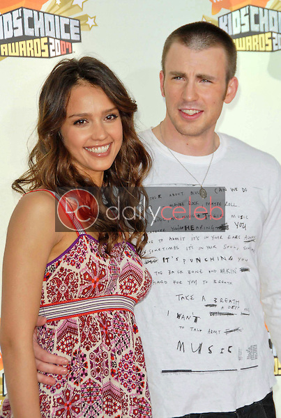 Jessica Alba and Chris Evans<br />