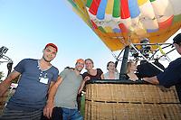 ALGEMEEN: JOURE: Nutsbaan Joure, 23-07-2014, Openingsavond Ballonfeesten met Olympische schaatsers (langebaan en shorttrack), shorttrackers Freek van der Wart, Daan Breeuwsma, Sjinkie Knegt, ©foto Martin de Jong