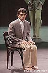 Première les 7, 8 et 9 mars 2005 au Centre national de la danse - Pantin.....Chorégraphie : Nacera Belaza...Interprètes : Dalila Belaza, Nacera Belaza, Zahir Boukhenak..ainsi qu'une autre personne à confirmer (musicien, comédien / danseur)...Lumière : Eric Soyer....Co-production : Centre national de la danse / Pantin (création en résidence), Parc de la Villette /..Paris dans le cadre des Résidences d'Artistes 2005, Centre chorégraphique national de..Montpellier Languedoc-Roussillon - Programme ReRc (Résidence de recherche),..Danse Bassin Méditerranée subventionné par la Commission européenne..dans le cadre du programme culture 2000, dans le cadre du Réseau Escales,..avec le soutien du Conseil général du Val d'Oise et de la Drac île-de-France.....Avec le soutien de : L'animal a l'esquena - Barcelone, Micadanses - Paris et Arte. La compagnie..Nacera Belaza est soutenue par la Drac île-de-France - Ministère de la culture et de la..communication et la Ville de Paris.