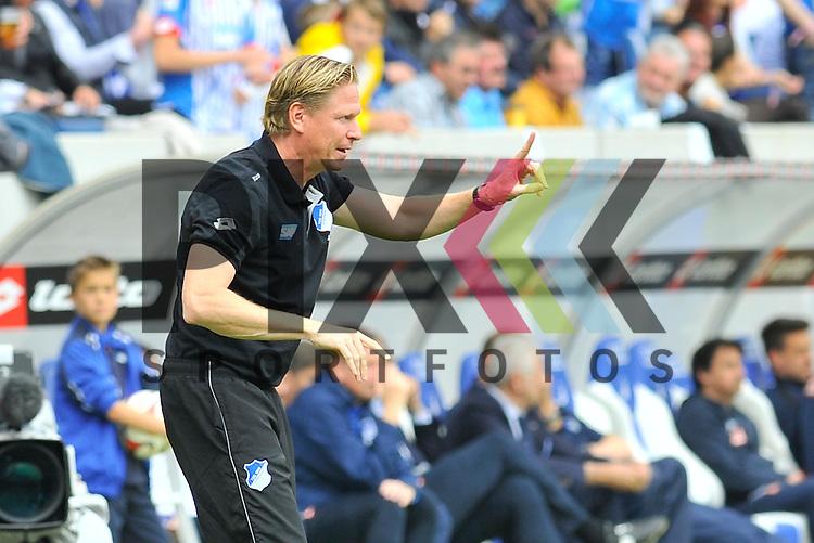 Hoffenheims Trainer Markus Gisdol an der Seitenlinie im Spiel der Bundesliga, TSG 1899 Hoffenheim - Hertha BSC.<br /> <br /> Foto &copy; P-I-X.org *** Foto ist honorarpflichtig! *** Auf Anfrage in hoeherer Qualitaet/Aufloesung. Belegexemplar erbeten. Veroeffentlichung ausschliesslich fuer journalistisch-publizistische Zwecke. For editorial use only.