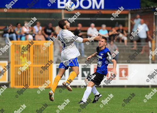 2010-08-22 / Voetbal / seizoen 2009-2010 / Rupel-Boom - Grimbergen / Cédric de Troetsel (r, Rupel-Boom) met Amin Kabir..Foto: Mpics