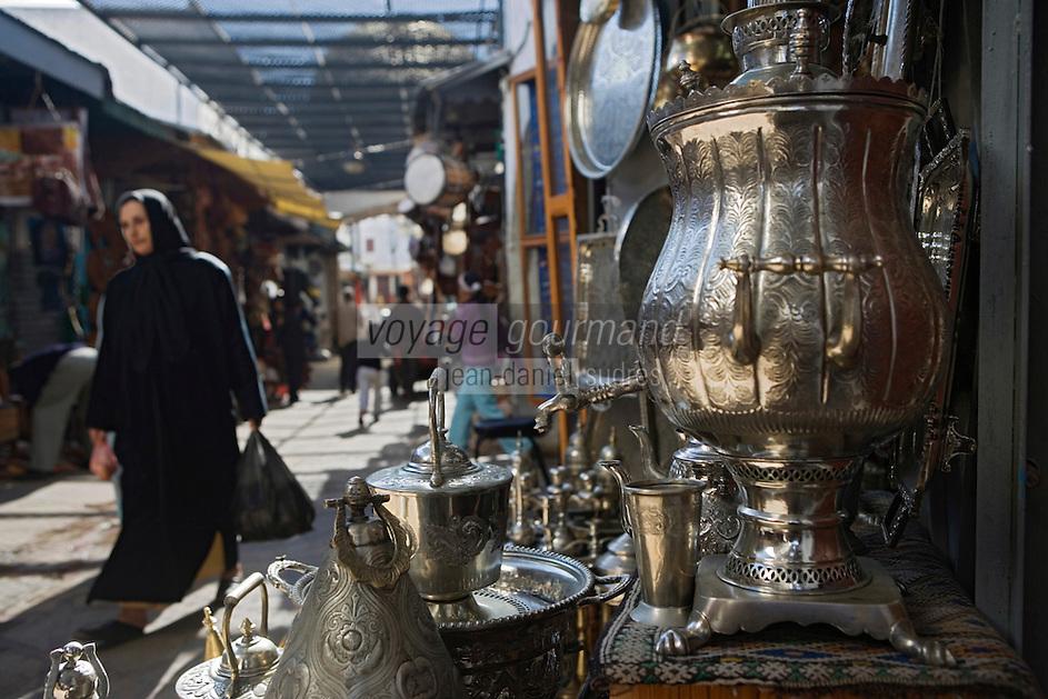 Afrique/Afrique du Nord/Maroc/Rabat: la médina dans la rue des Consuls détail étal fontaines
