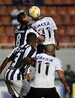 SAO PAULO SP, 16  MARCO 2013 - Paulistao 2013 - CORINTHIANS X UNIAO BARBARENSE  -  Lance    durante partida valida pelo campeonato paulista de 2013 no Estadio do Pacaembu em Sao Paulo, neste sabado, 16. (FOTO: ALAN MORICI / BRAZIL PHOTO PRESS).