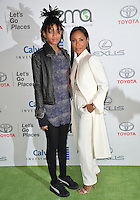 BURBANK, CA. October 22, 2016: Jada Pinkett Smith &amp; Willow Smith at the 26th Annual Environmental Media Awards at Warner Bros. Studios, Burbank.<br /> Picture: Paul Smith/Featureflash/SilverHub 0208 004 5359/ 07711 972644 Editors@silverhubmedia.com