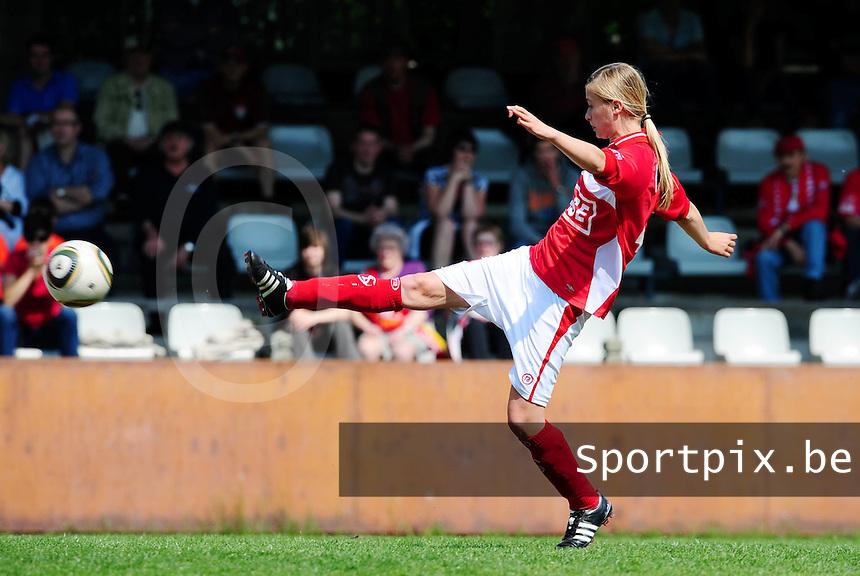 RSC Anderlecht Dames - Standard Femina : Standard kampioen 2010 - 2011 : Julie Biesmans.foto DAVID CATRY / Vrouwenteam / Loft6