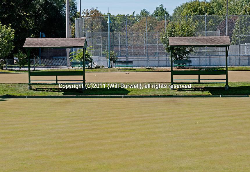 Lawn bowling pitch