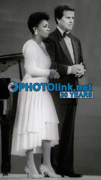 Anita Baker and Dick Clark Undated<br /> Photo By John Barrett/PHOTOlink