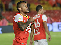 BOGOTÁ -COLOMBIA, 19-07-2017. Wilson Morelo jugador de Santa Fe celebra después de anotar el segundo gol de su equipo al Envigado durante el encuentro entre Independiente Santa Fe y Envigado FC por la fecha 3 de la Liga Aguila II 2017 jugado en el estadio Nemesio Camacho El Campin de la ciudad de Bogota. / Wilson Morelo player of Santa Fe celebrates after scoring the second goal of his team to Envigado during match between Independiente Santa Fe and Envigado FC for the date 3 of the Aguila League II 2017 played at the Nemesio Camacho El Campin Stadium in Bogota city. Photo: VizzorImage/ Gabriel Aponte / Staff