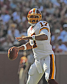 Landover, MD - September 21, 2008 -- Washington Redskins quarterback Jason Caqmpbell (17) looks for a receiver in fourth quarter action against the Arizona Cardinals at FedEx Field in Landover, Maryland on Sunday, September 21, 2008.  The Redskins won the game 24 - 17..Credit: Ron Sachs / CNP