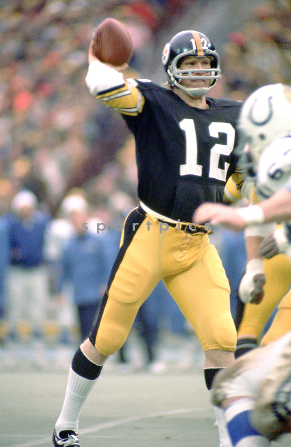 Pittsburgh Steelers Terry Bradshaw(12) during a game from his 1976 season with the Pittsburgh Steelers. Terry Bradshaw played 14 years, all for the Pittsburgh Steelers, was a 3-time Pro Bowler, 1-time first team Pro Bowler and was inducted to the Pro Football Hall of Fame in 1989.(SportPics)