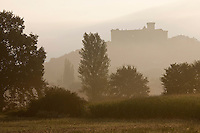 Europe/Europe/France/Midi-Pyrénées/46/Lot/Prudhomat: Château de Castelnau-Bretenoux à l'aube