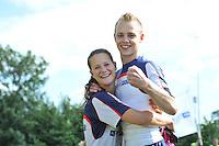 FIERLJEPPEN: WINSUM: 10-08-2013, Fries kampioenschap Fierljeppen, Hans Ulco de Boer en vriendin Klaske Nauta, ©foto Martin de Jong