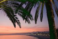 Europe/France/Provence-Alpes-Côte d'Azur/06/Alpes-Maritimes/Nice: La Promenade des  Anglais au crépuscule
