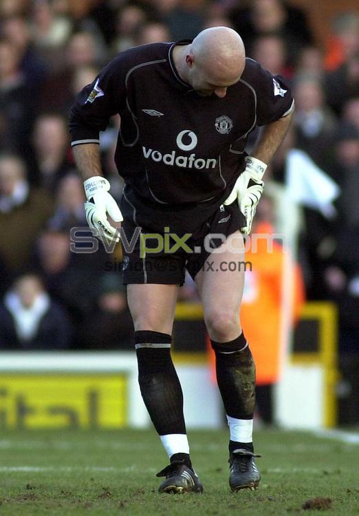 Pix: Dave Winter/SWpix.com. Soccer. FA Barclaycard Premiership. Fulham v Manchester United. 12/02/2002...COPYWRIGHT PICTURE>>SIMON WILKINSON>>01943 436649>>..Manchester's goalkeeper Fabien Barthez.