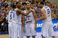 LEEK - Basketbal, Donar - Istanbul BBSK, Europe Cup, seizoen 2018-2019, 17-10-2018,  Donar speler Jason Dourisseau geeft instructies aan Donar speler Drago Pasalic