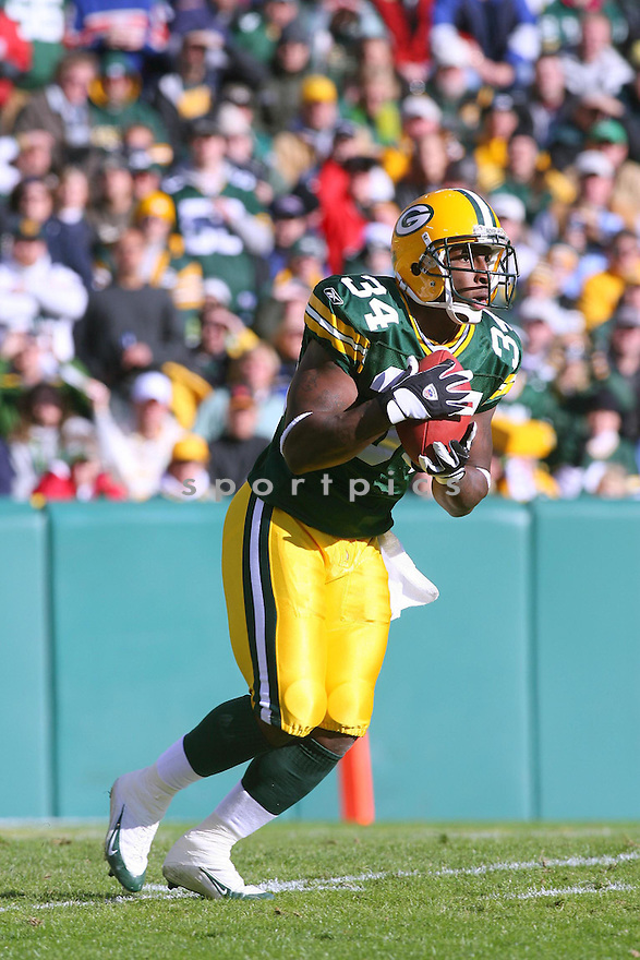 VERNAND MORENCY, of the Green Bay Packers ,during their game against  the New England Patriots on Novmeber 19, 2006 in Green Bay , WI...Patriots win 35-0..Kevin Tanaka / SportPics