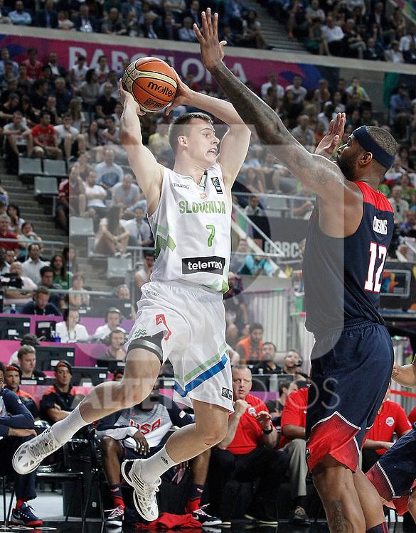 Slovenia's Klemen Prepelic (l) and USA's DeMarcus Cousins during 2014 FIBA Basketball World Cup Quarter-Finals match.September 9,2014.(ALTERPHOTOS/Acero)