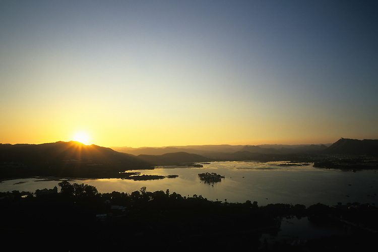 Sunset on Lake Pichola, Udaipur, Rajasthan, India, 2011