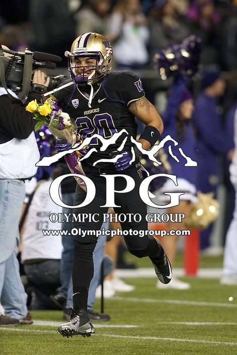 NOV 10, 2012:  Washington's Justin Glenn against Utah.  Washington defeated Utah  34-15 at CenturyLink Field in Seattle, WA...