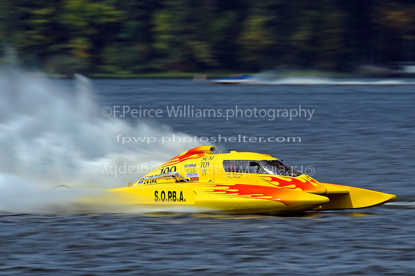 "Tom Newman, NM-100 ""Sum Toy""  (National Mod hydroplane(s)"
