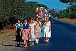 Procissão com andor, Leon. Nicarágua. 1981. Foto de Juca Martins.