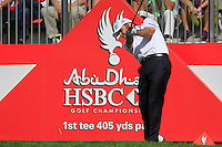 Paul Lawrie (SCO) in action on the 1st tee during Sunday's Final Round of the HSBC Golf Championship at the Abu Dhabi Golf Club, United Arab Emirates, 29th January 2012 (Photo Eoin Clarke/www.golffile.ie)