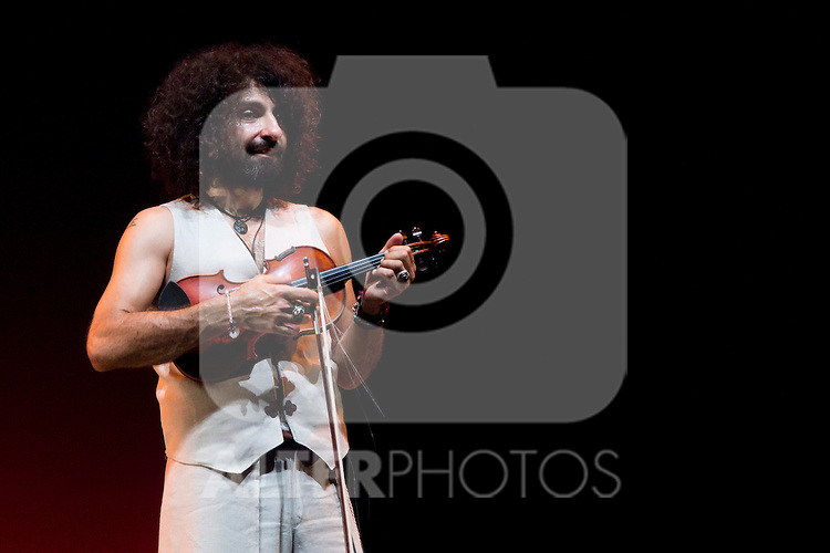 24.07.2012. Presentation of the show 'Violin Caprices & Body' at the Teatro Bellas Artes in Madrid. Ara Malikian at the violin, and the dancers Andoni Larrabeiti, Patricia Roldán, Patrizio Niccolai, Vanessa Sanabria and Marisol Rozo. (Alterphotos/Marta Gonzalez)