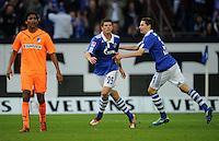 FUSSBALL   1. BUNDESLIGA   SAISON 2011/2012    11. SPIELTAG FC Schalke 04 - 1899 Hoffenheim                            29.10.2011 Torschuetze Klass-Jan HUNTELAAR (Mitte) und Julian DRAXLER (re, beide Schalke 04) jubeln , Marvin COMPPER (li, Hoffenheim) wendet sich enttaeuscht ab
