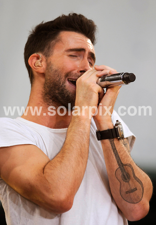 """**ALL ROUND PICTURES FROM SOLARPIX.COM**.**SYNDICATION RIGHTS FOR UK, SPAIN, PORTUGAL, AUSTRALIA, S.AFRICA & DUBAI (U.A.E) ONLY**.Maroon 5 Perform on ABC's """"Good Morning America Summer Concert Series"""" at Bryant Park / New York City, NY, USA. 27th June 2008..JOB REF: 6752 PHZ/Mark Dye    DATE: 27_06_2008.**MUST CREDIT SOLARPIX.COM OR DOUBLE FEE WILL BE CHARGED* *UNDER NO CIRCUMSTANCES IS THIS IMAGE TO BE REPRODUCED FOR ANY ONLINE EDITION WITHOUT PRIOR PERMISSION*"""