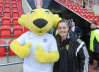20160408 - ROTHERHAM , ENGLAND : Belgian Diede Lemey pictured with the English Mascote during the female soccer game between England and The Belgian Red Flames - Belgium , the fourth game in the qualification for the European Championship in The Netherlands 2017  , Friday 8 th April 2016 at AESSEAL New York Stadium in Rotherham , England . PHOTO DAVID CATRY
