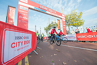 Picture by Allan McKenzie/SWpix.com - 24/09/2017 - Cycling - HSBC UK City Ride Liverpool - Albert Dock, Liverpool, England - HSBC UK, Lets ride, city ride, branding.